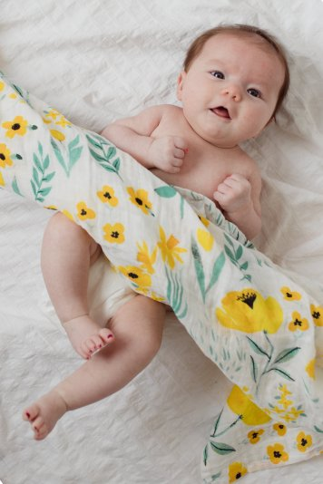 Clementine_Kids_Buttercup_Blossom_Swaddle_Blanket_1